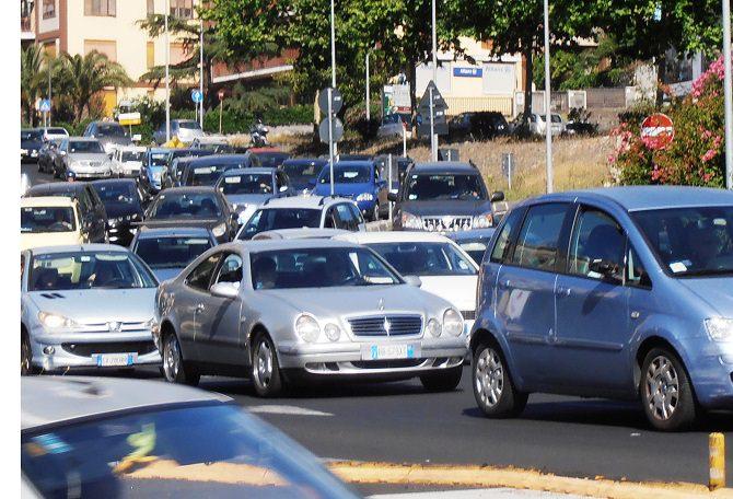 Tamponamento in tangenziale a Catania. Traffico paralizzato dallo svincolo di Gravina in poi
