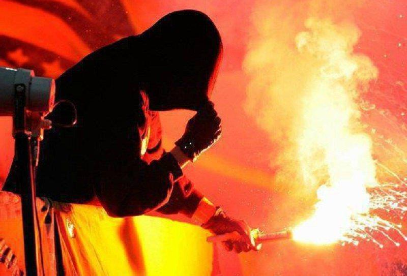Tafferugli durante Salernitana-Palermo, denunciati 12 ultras rosanero