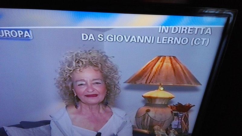 "Angela ""favolosa cubista"" a Pomeriggio Cinque: gaffe su San Giovanni Galermo"