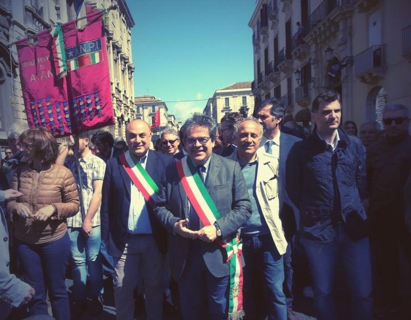 25 Aprile, tanti sindaci alla manifestazione di Catania