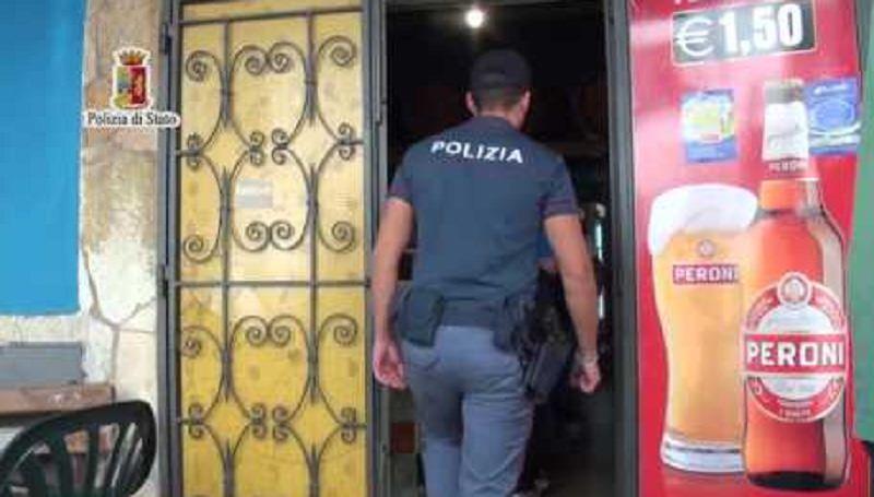Poliziotto corriere della droga arrestato dai colleghi a Catania