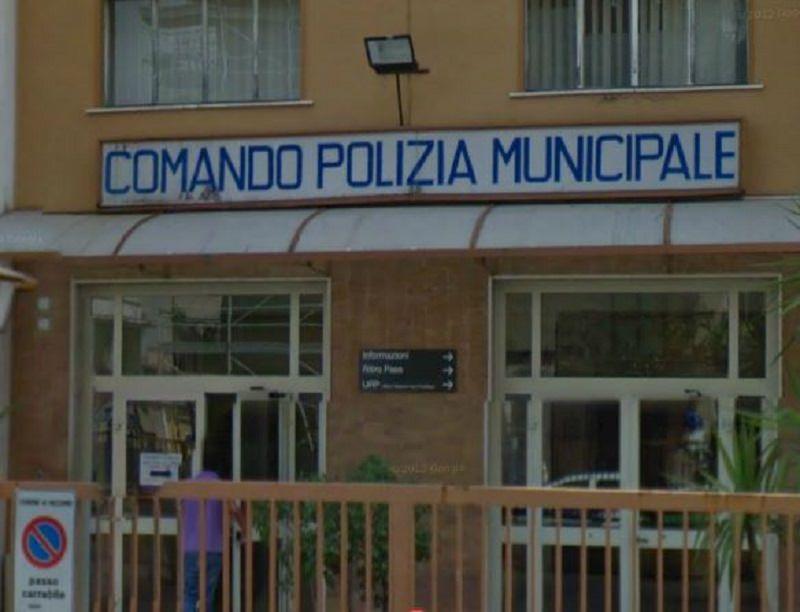 Controlli della Municipale nella movida: sequestrata una discoteca abusiva e denunciato un graffitaro