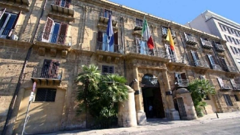 Regione Siciliana, ecco il nuovo contratto per i dipendenti: previsto un aumento
