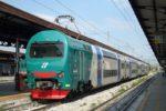Tragedia sui binari, siciliano muore travolto da un treno: non si esclude l'ipotesi suicidio