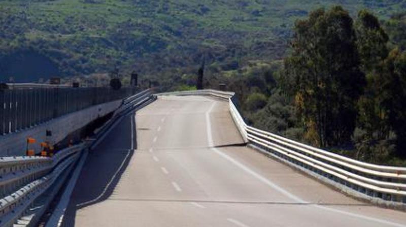 """""""Himera"""", il viadotto della discordia riapre al traffico in direzione Palermo. All'inaugurazione Renzi e Delrio"""