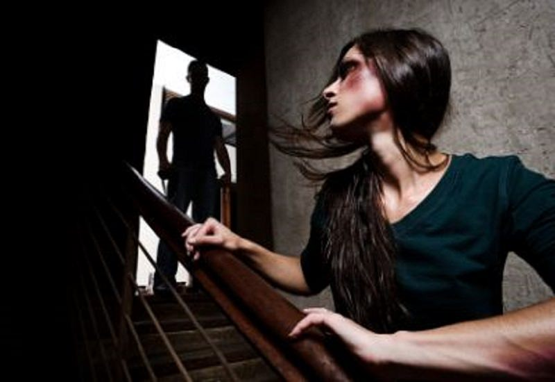 Biancavilla scenario della via crucis di una 25enne picchiata e umiliata dal marito dal 2009 ad oggi