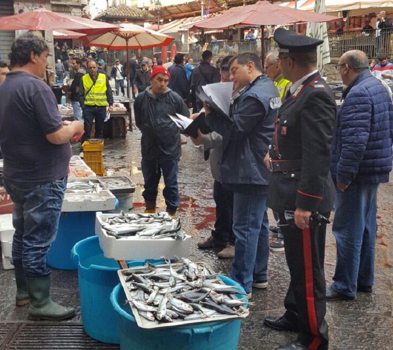 Sicurezza alimentare, controlli alla pescheria di Catania