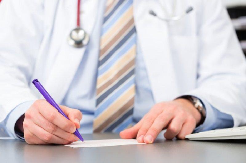 Commette violenza sessuale su una paziente 40enne, ai domiciliari cardiologo di Giarre