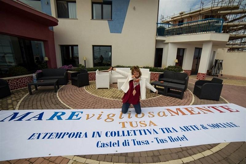 """Tre giorni di """"extempora murale"""" collettiva a Castel di Tusa"""