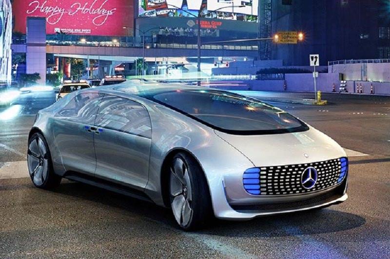 Raggiunto l'accordo tra FCA e Google: arriva l'auto a guida autonoma