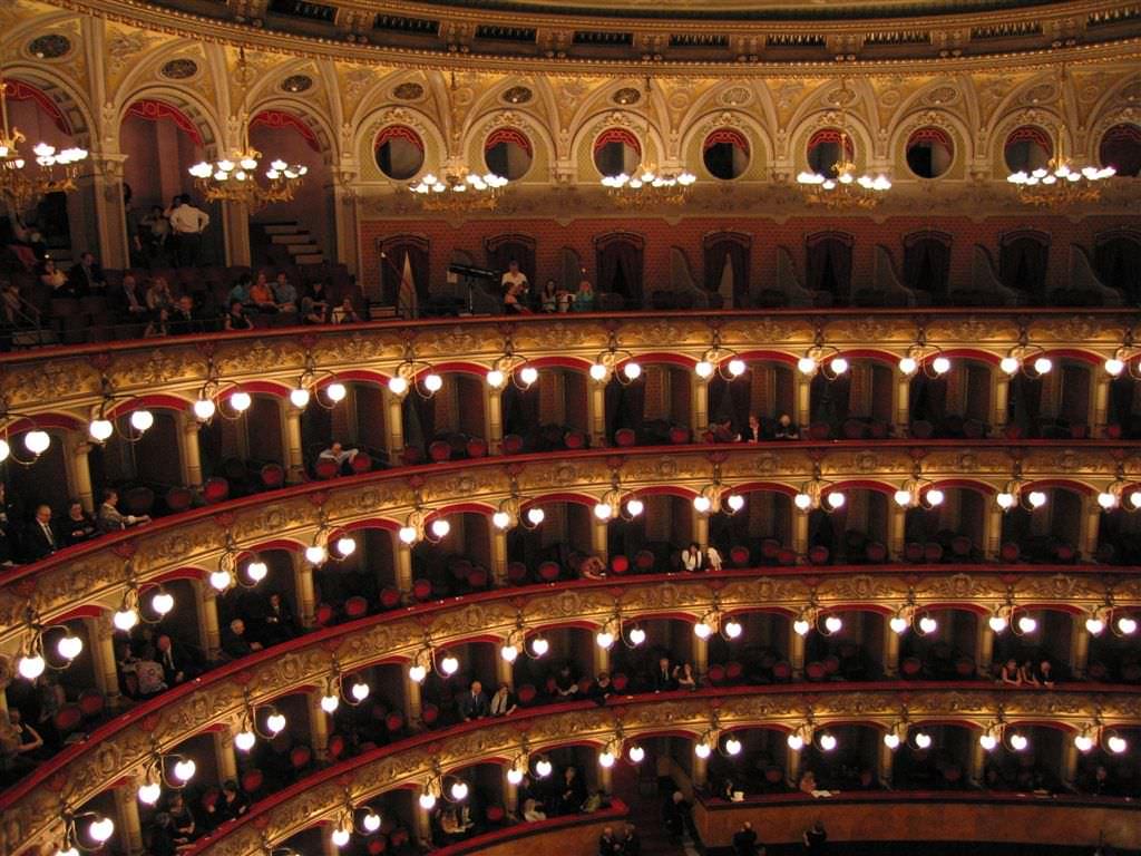 Nuovi criteri per fondi ai teatri siciliani. Presentato il bando
