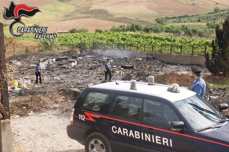 Danno fuoco all'isola ecologica di San Giuseppe Jato. In manette due fratelli