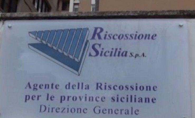 """Riscossione Sicilia, dipendenti e sindacati contro Fiumefreddo: """"Vattene"""""""