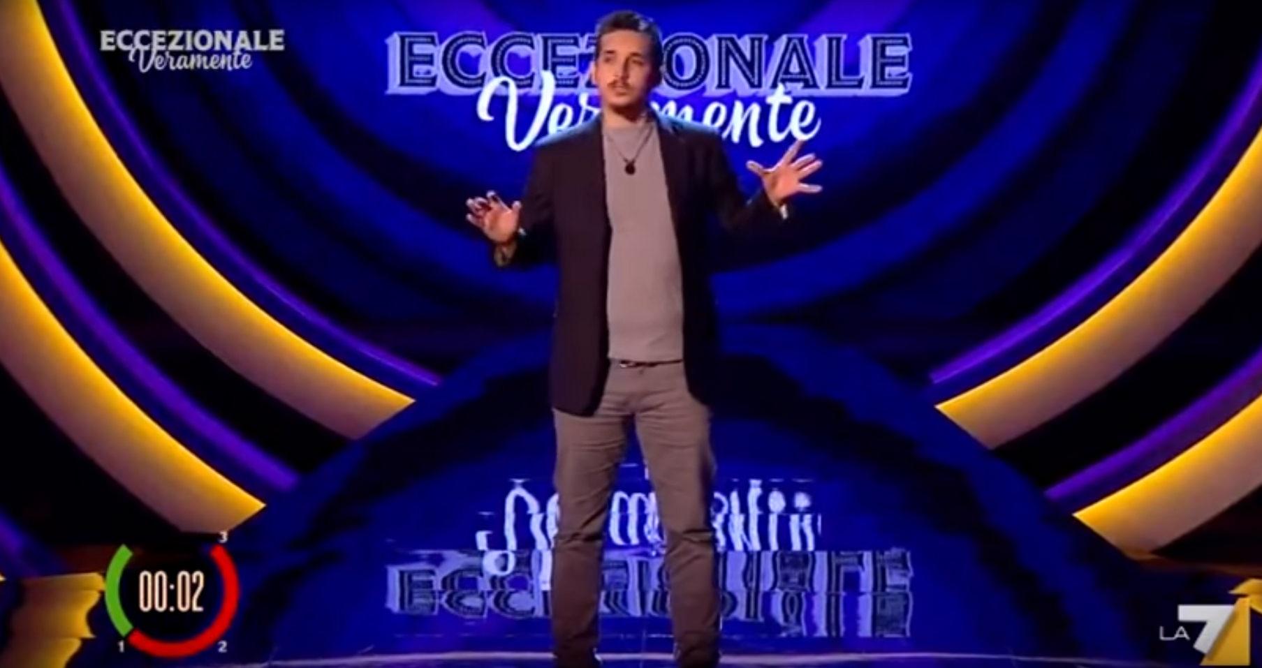 """Roberto Lipari è il comico dell'anno: sua la vittoria di """"Eccezionale Veramente"""""""