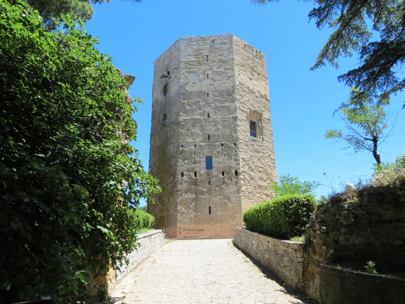 Enna, persi i fondi per la riqualificazione della Torre di Federico. Partono le accuse
