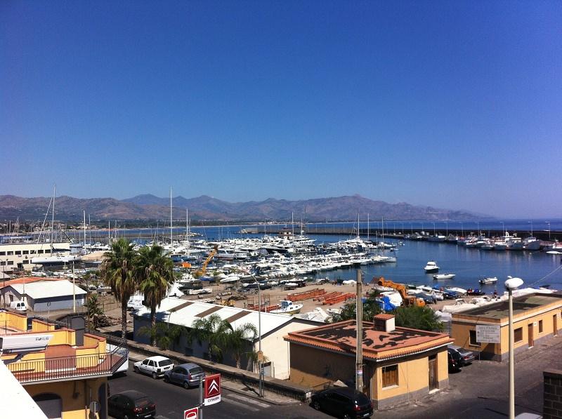 """Rilancio del porto commerciale di Riposto, il sindaco: """"Sarà punto di riferimento"""""""