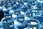 Bombole di gas prive di autorizzazioni e allaccio abusivo alla rete elettrica: arrestato titolare di una rivendita