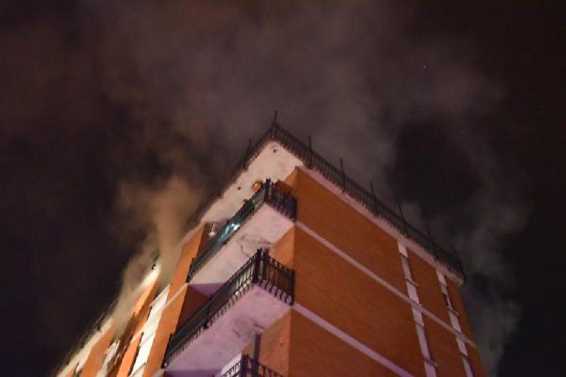 In fiamme abitazione in viale Bummacaro: ustionata una donna