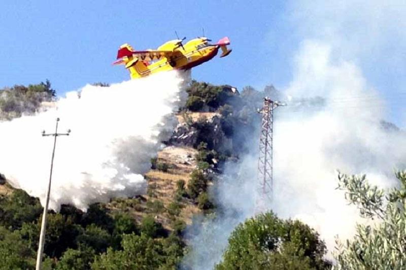 Vento e caldo, scatta l'allarme incendi in Sicilia: allerta della Protezione civile