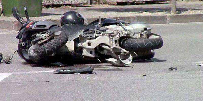 Incidente mortale lungo la SS 124: 20enne in moto perde la vita finendo contro il guardrail