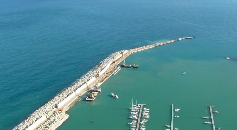Castellammare: registrato contratto d'appalto per lavori al porto