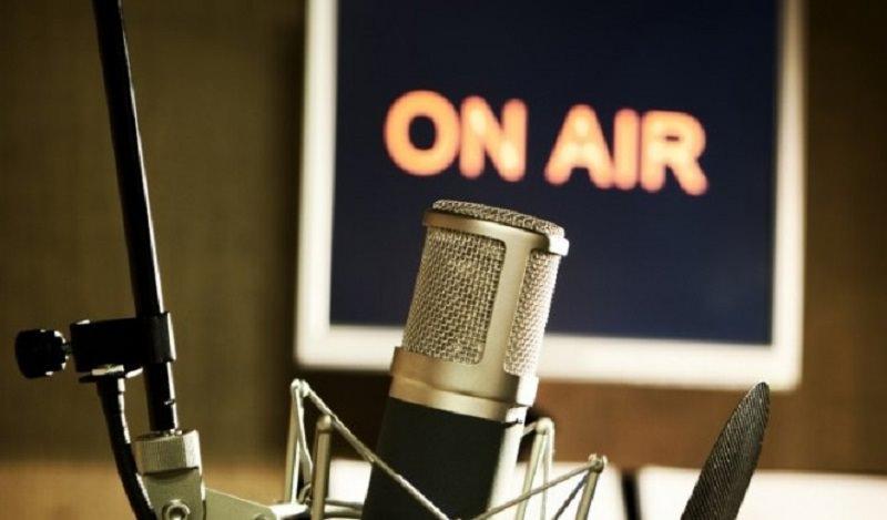 """Arriva la radio che trasmette musica di soli artisti morti: """"Radio Dead"""""""