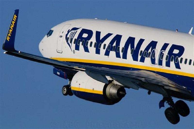 Ryanair cancella i voli, 200 palermitani bloccati a Roma