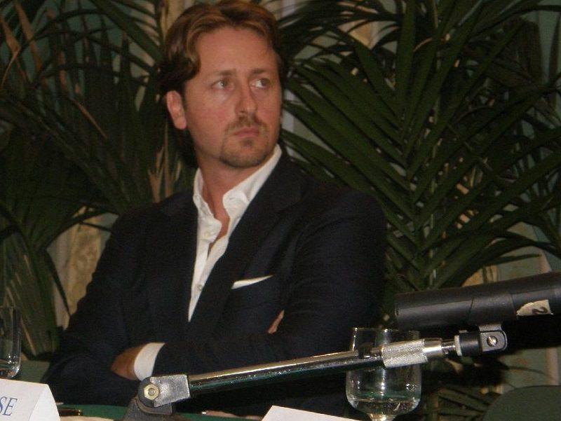 Manlio Messina riceve la nota del collegio dei revisori dei conti