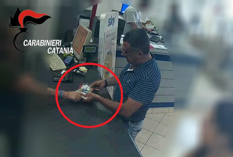 Costretta da due anni a pagare il pizzo: arrestati due esponenti del clan Santapaola IL VIDEO