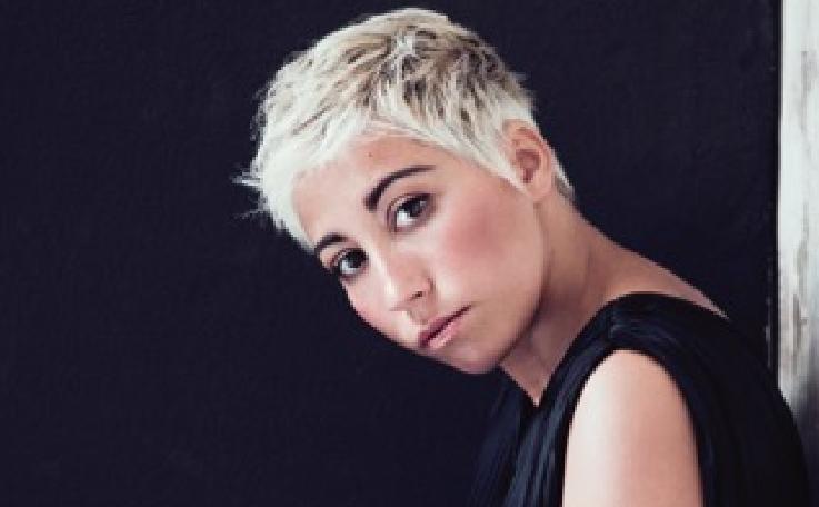 Malika Ayane ritorna più in forma di prima al Teatro Antico di Taormina
