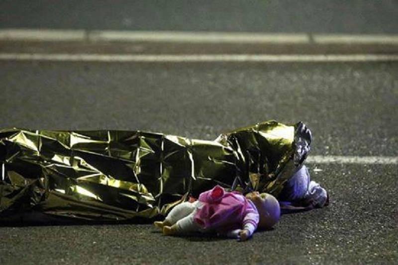 Nizza: tre studenti siciliani scampano all'attentato