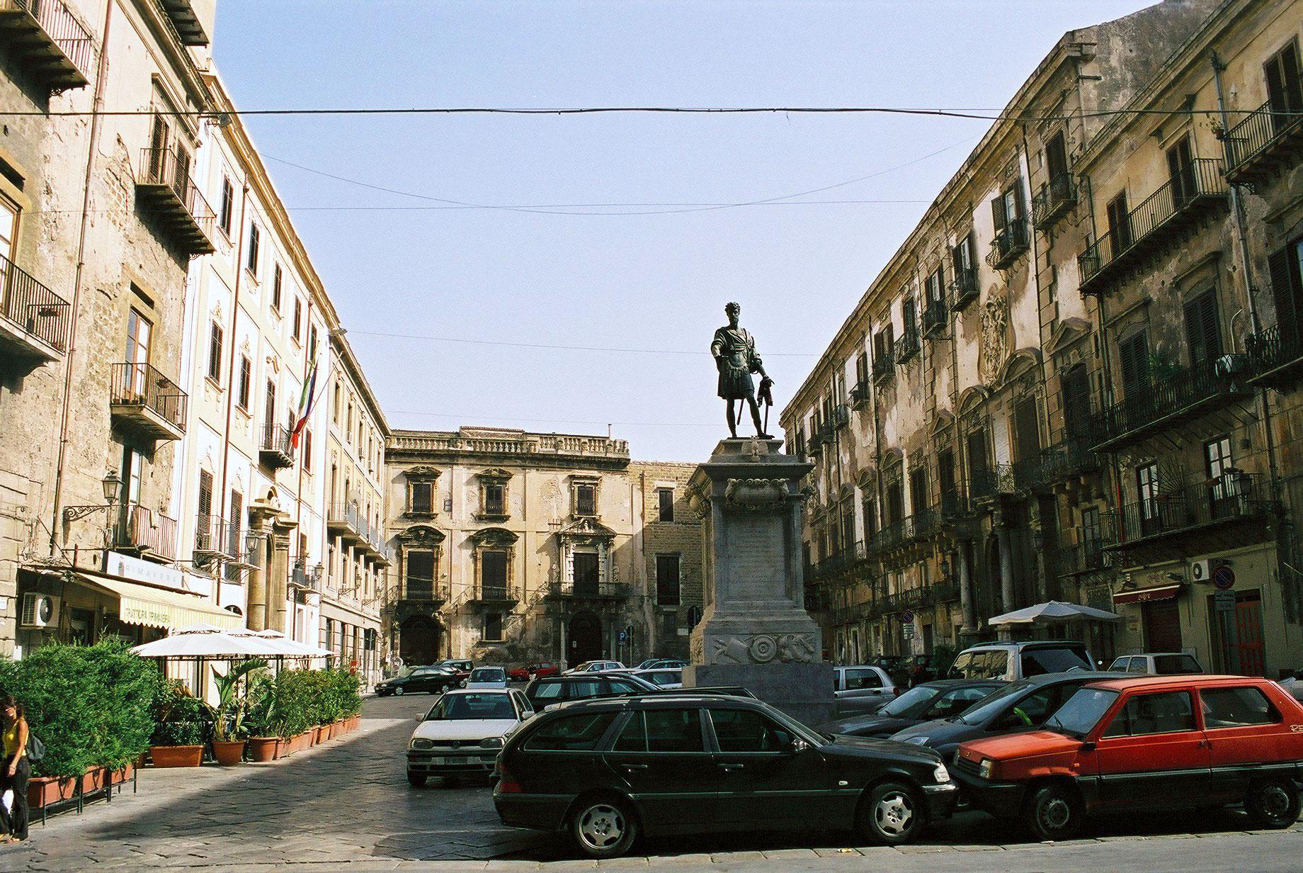 Palermo: Europei e multiculturalismo. Tutti in pizza nel quartiere di Ballarò