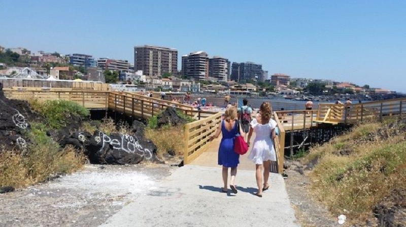 Catania: riaprono i solarium di Piazza Europa e Ognina