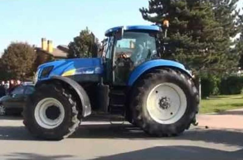 """Palermo, trattori in marcia per il preludio della """"guerra del grano"""""""