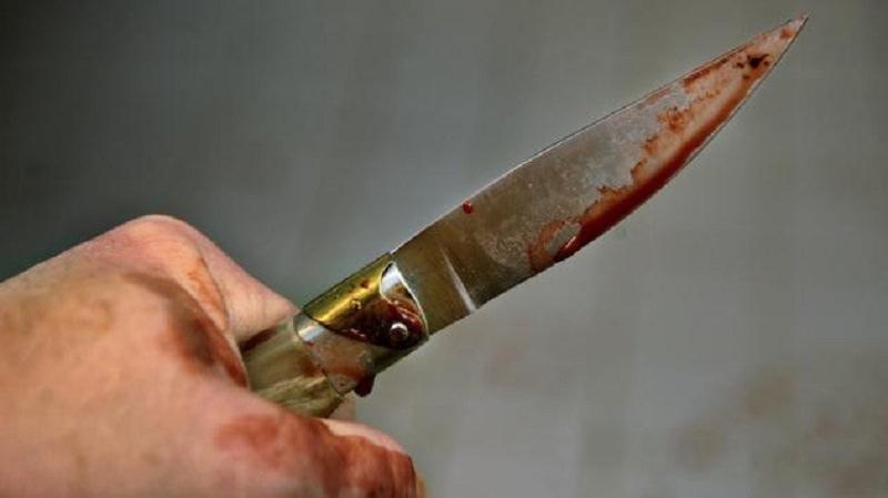 Tentato omicidio in una stalla: 36enne accoltella l'ex datore di lavoro, arrestato