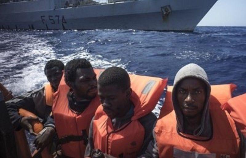 Porto di Catania, fermati cinque scafisti
