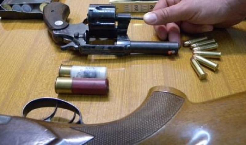 Scoperto arsenale a Catania, armi nascoste in un pianoforte a coda