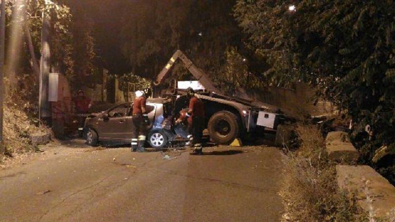 Sfiorata tragedia a Tremonti. Camion senza conducente travolge una macchina