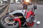 Scontro tra auto e moto in via Libertà: un ferito, traffico rallentato