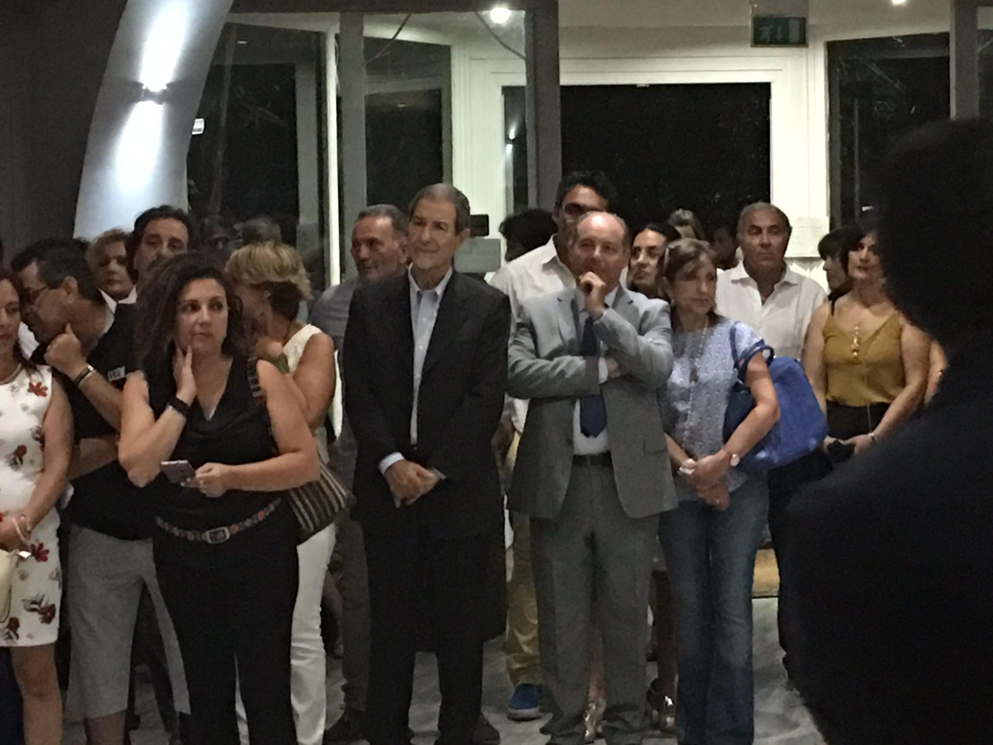 Catania: apericena per aiutare chi è affetto da tumore
