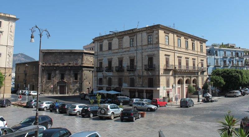 Palermo, consumazione con blatte in omaggio. Nessuna risposta dal Comune