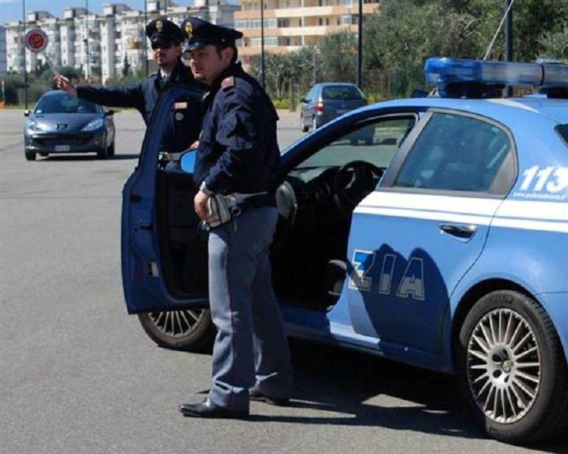 Posto di blocco a Nesima finisce con inseguimento in via Sebastiano Catania: denunciato 25enne con auto noleggiata