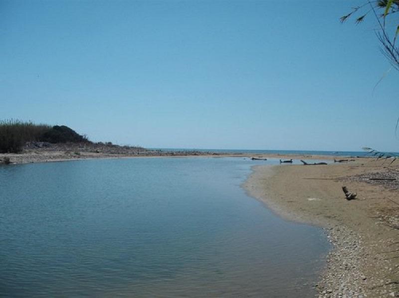 """L'estate si avvicina, ma il mare si """"allontana"""": divieto di balneazione in oltre 200 aree siciliane"""