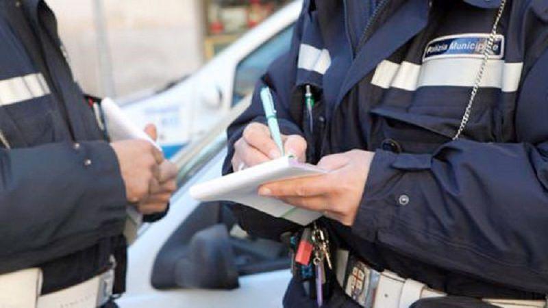 Vigile tarocca multa e l'addossa a un altro cittadino: vittima il Procuratore Capo Zuccaro