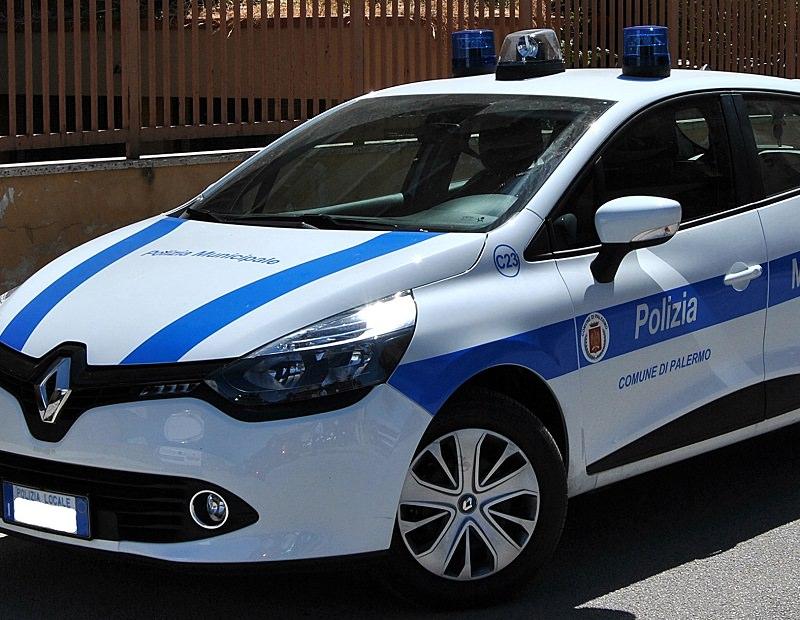 Palermo: auto contro scooter in via Galletti. Ragazza in prognosi riservata