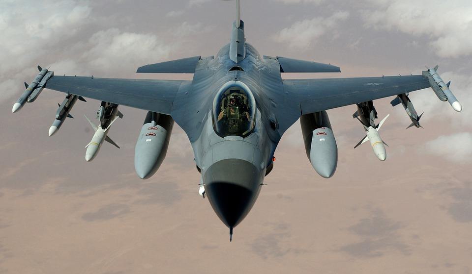 """""""Aiuto"""": accettata la richiesta della Libia. Da Sigonella raid contro Isis"""