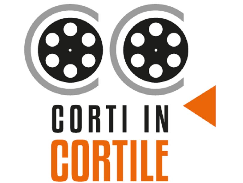 """""""Corti in Cortile"""" a Palazzo Platamone"""