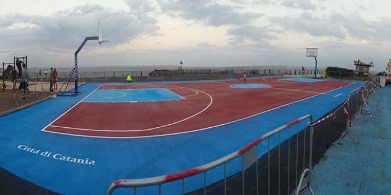 """Inaugurato nuovo campo di basket a piazza Nettuno grazie a fondi stanziati da """"Etna Comics"""""""