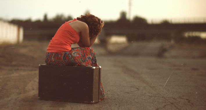 """L'insegnante con la valigia: la storia di Cinzia """"intrusa"""" al Nord"""