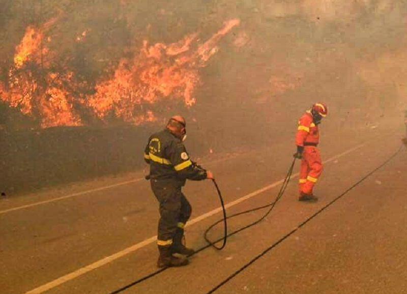 Dodici incendi nel Palermitano. Fiamme anche a Lipari: colpiti 10 ettari di terreno